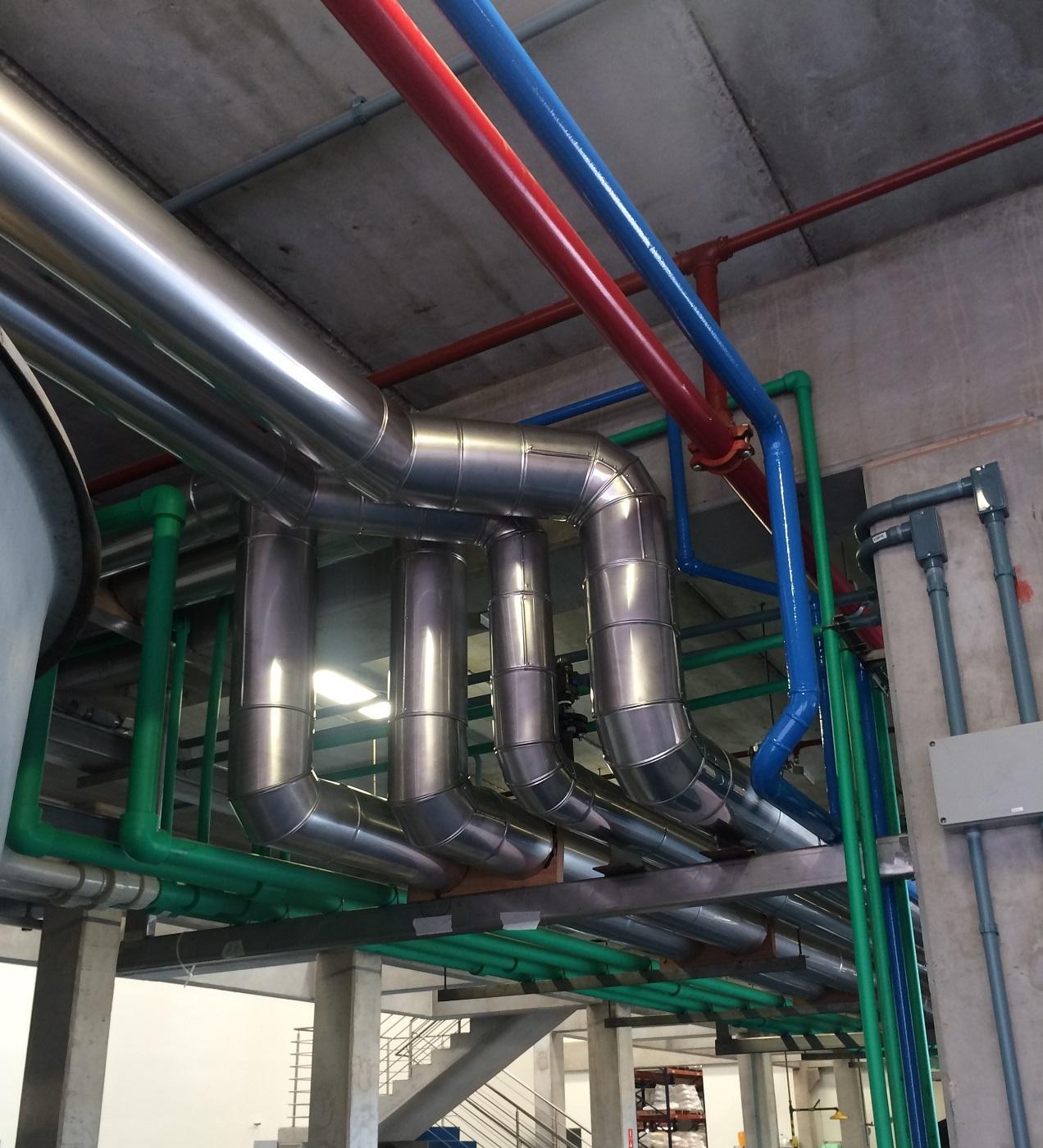 Isolamento Termico de tubulação na Industria
